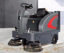 驾驶式扫地机清扫过程中要注意什么