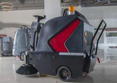 驾驶式扫地机的重要配件有哪些