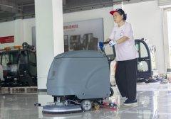 全自动洗地机耗材使用成本高不高