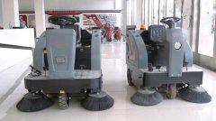 机械式清洁节省人力物力,驾驶式扫地机选扬子