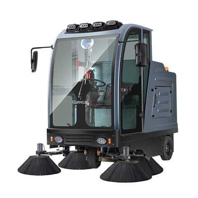 S13驾驶式扫地机